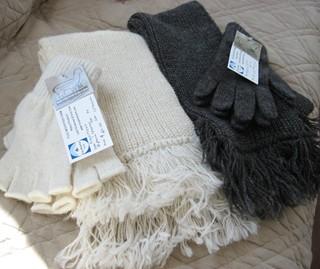 Neaf_scarves_gloves2
